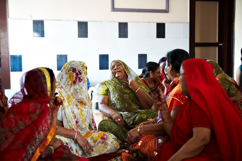http://i203.photobucket.com/albums/aa186/brul_photo/indian%20wedding/035.jpg