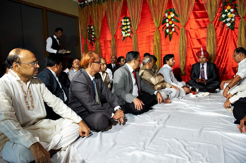 http://i203.photobucket.com/albums/aa186/brul_photo/indian%20wedding/054.jpg