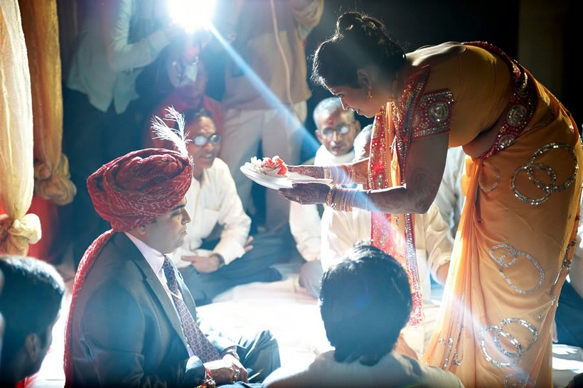http://i203.photobucket.com/albums/aa186/brul_photo/indian%20wedding/057.jpg