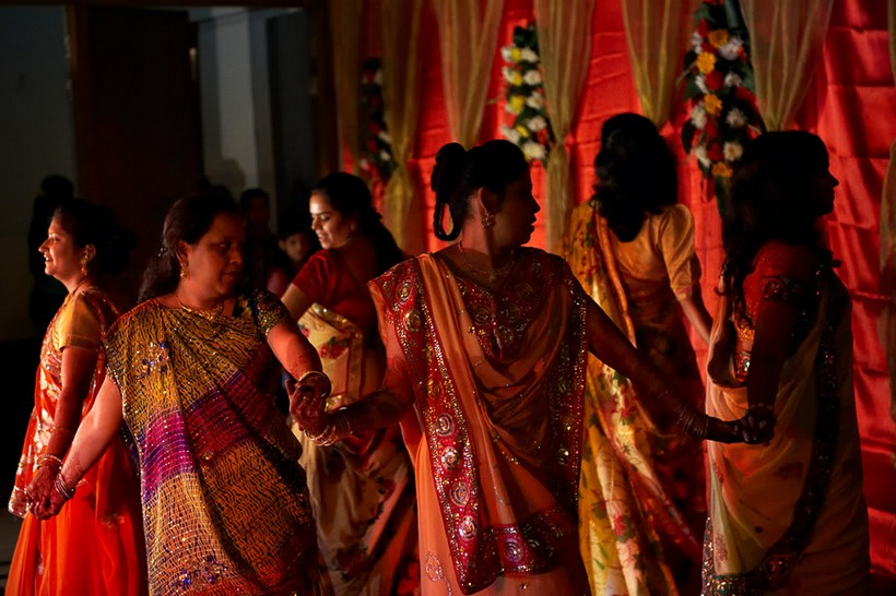 http://i203.photobucket.com/albums/aa186/brul_photo/indian%20wedding/069.jpg