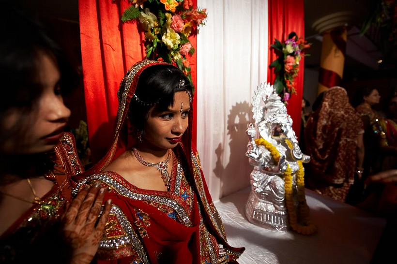 http://i203.photobucket.com/albums/aa186/brul_photo/indian%20wedding/110.jpg