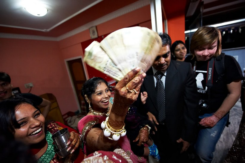 http://i203.photobucket.com/albums/aa186/brul_photo/indian%20wedding/158.jpg
